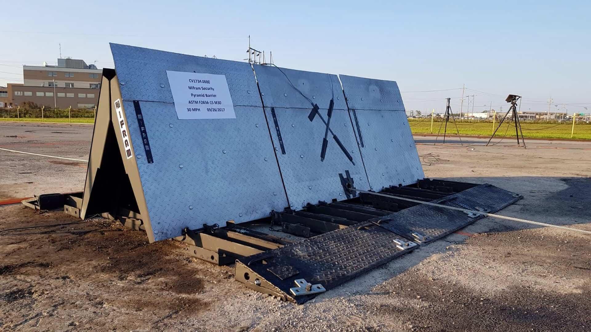 PYRAMID - Bi directional vehicle barrier - Mifram Security